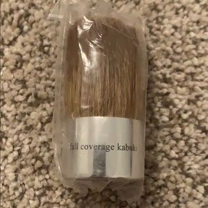 Bare Escentuals Makeup - NWT full coverage kabuki brush